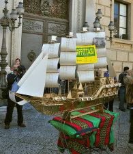 """""""Cammarata in barca e Palermo affonda"""" - Una foto della manifestazione"""