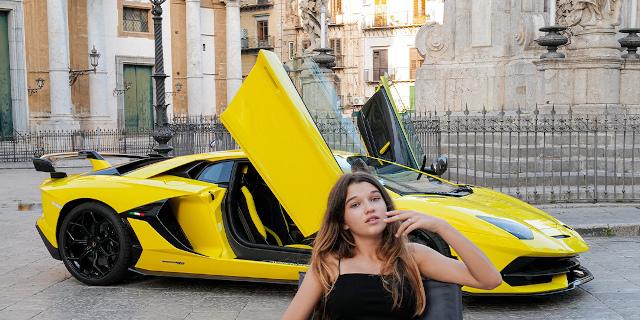 Le foto di Letizia Battaglia per Lamborghini a Palermo