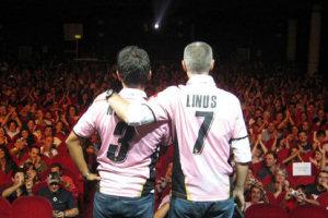 Linus e Nicola con la maglia rosanero