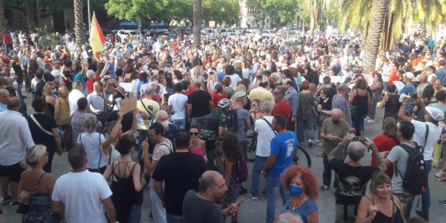 """No green pass day"", manifestanti anche a Palermo"