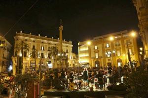 """Inaugurato a piazza San Domenico il salotto metropolitano del """"Festino"""""""