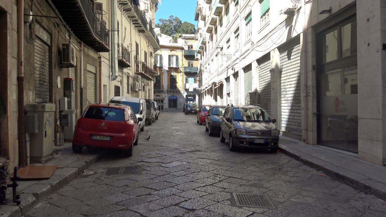 """Coronavirus: Palermo """"lockdown"""", la situazione e le foto delle vie deserte"""