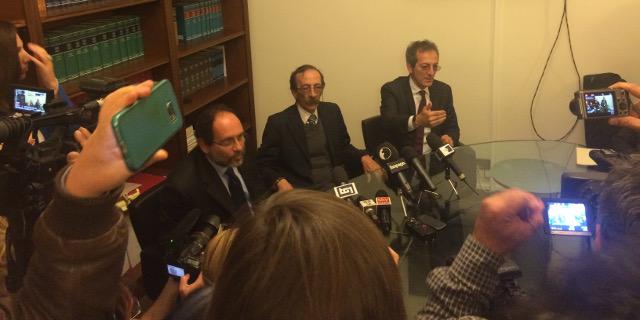 Pino Maniaci dà la sua versione dei fatti in conferenza stampa