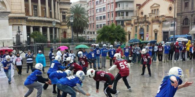 """""""Ridateci il Velodromo"""", flash mob degli atleti al Politeama"""