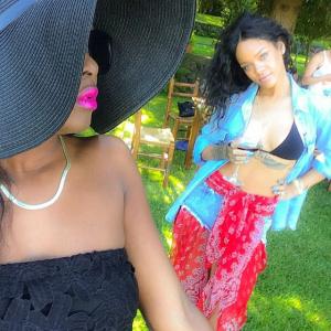 Rihanna è alle Eolie