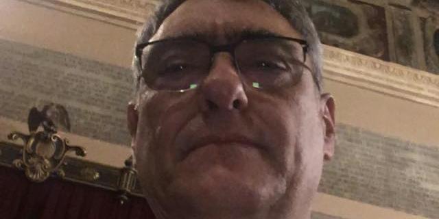 Si dimette l'assessore ai cimiteri Roberto D'Agostino