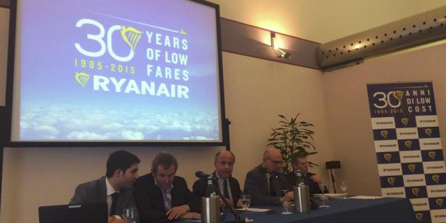 Ryanair compie 30 anni, biglietti a 19,99 euro e nuovi voli da Palermo in estate