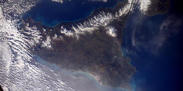 Ciao Sicilia ed Etna, la neve ti dona!