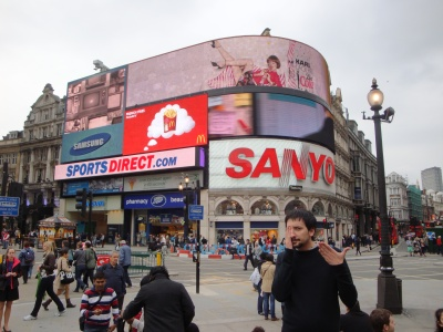 Tony Siino a Piccadilly Circus