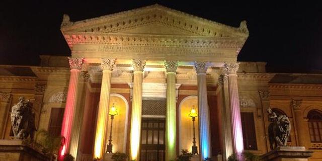 Per san Valentino il Teatro Massimo lancia l'iniziativa #amorealmassimo