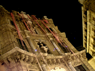 """Palazzo Costantino, Quattro canti: """"AC/DC, greetings from Palermo"""""""