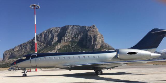"""Sesto """"The Camp"""" di Google in Sicilia, i jet privati all'aeroporto di Palermo"""