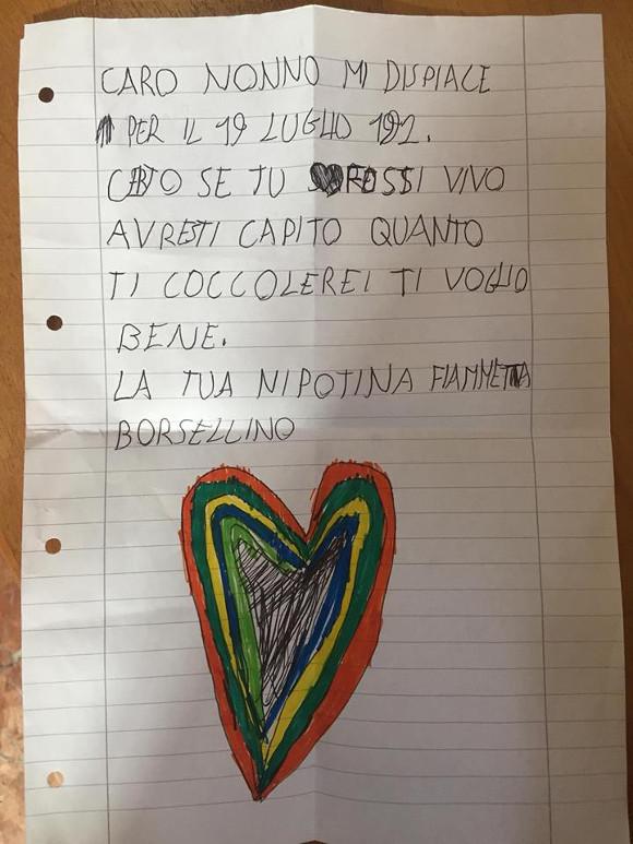 """Il biglietto della nipote di Borsellino: """"Se tu fossi vivo avresti capito quanto ti coccolerei"""""""