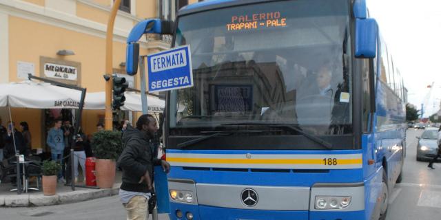 Coronavirus: positivo su bus Segesta per Trapani, invito alla quarantena