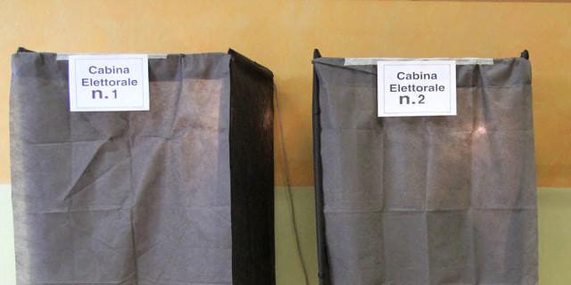 Rubate mille cabine elettorali
