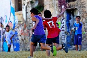Ventiquattro ore di calcio a piazza Magione in difesa del campetto
