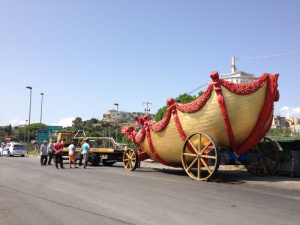"""Il carro del """"Festino di Santa Rosalia"""" in trasferta ad Altavilla Milicia"""