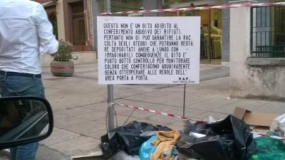 Il cartello della Rap in via duca della Verdura