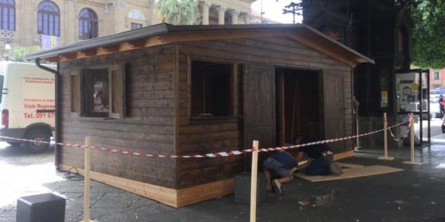 Polemiche per la casetta sostitutiva del chiosco Vicari a piazza Verdi