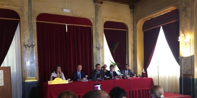 """Crocetta chiede dieci milioni di euro all'Espresso per l'intercettazione """"fantasma"""""""