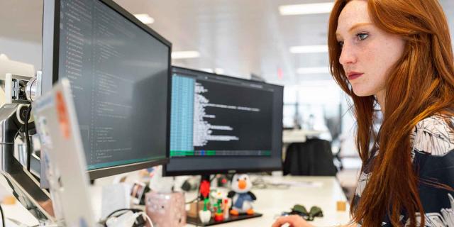 12 borse di studio per donne sviluppatrici nel Coding Bootcamp di Edgemony