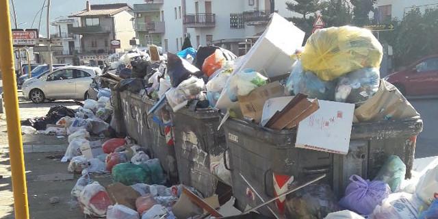 Ancora un Natale con l'emergenza rifiuti a Palermo