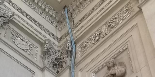 Cavi in vista in Cattedrale