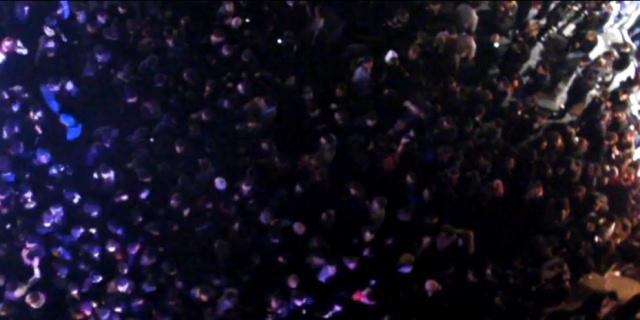 Folla a piazza Garraffello