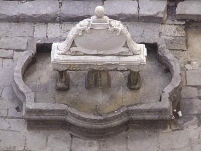 Tornata l'acqua nella fontana di piazza Garraffello