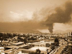 Nube di fumo su via La Malfa