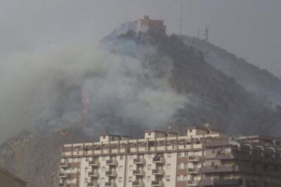 Incendio a Montepellegrino