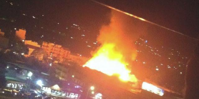 Incendio in una fabbrica di cassette di legno e plastica