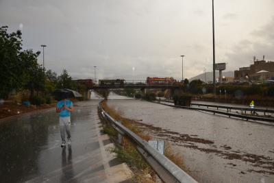 Forte nubifragio a Palermo: viale Regione impraticabile e disagi