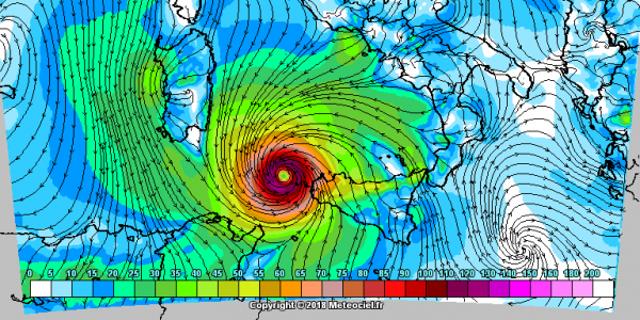 """Arriva il """"medicane"""", potrebbe formarsi un ciclone mediterraneo al largo della Sicilia"""