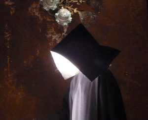 """""""Fantasmi"""" sulla scalinata del Teatro Massimo"""