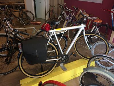 In bicicletta a Palermo, racconto di un giro per negozi specializzati
