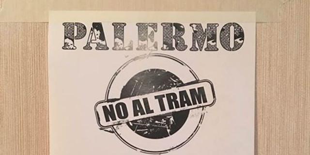 Manifestazione contro il tram in via Libertà, pochi i partecipanti