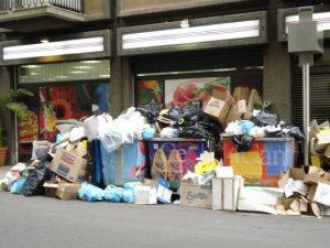 Palermo invasa dai rifiuti (foto di Antonello Provenzano)