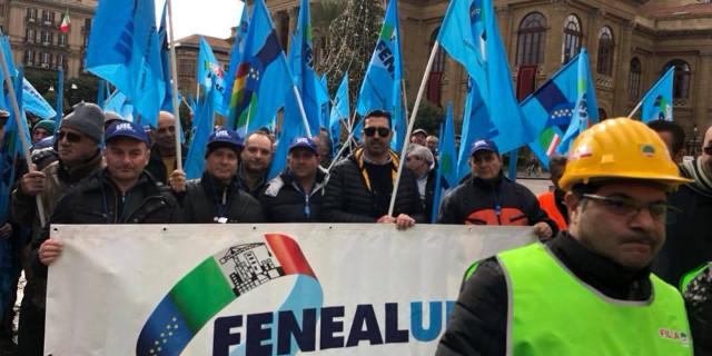 Manifestano i lavoratori del settore edile