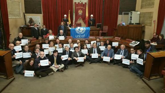 Giunta e Consiglio comunale aderiscono a #tuttigiuperterra