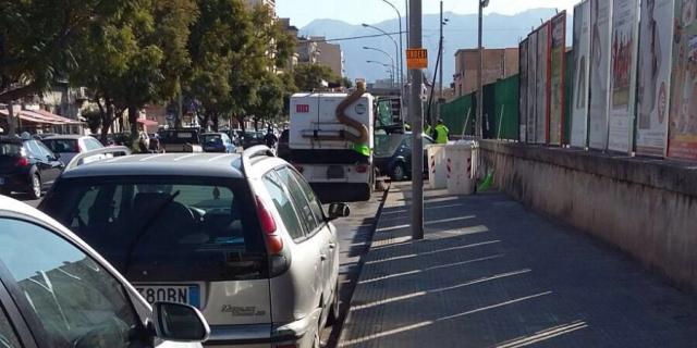 Pulizia straordinaria in via Montepellegrino