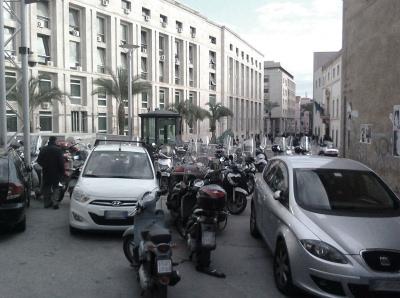Distinguere il forte dal debole, a Palermo