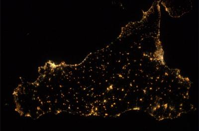 Sicilia dallo Spazio di notte